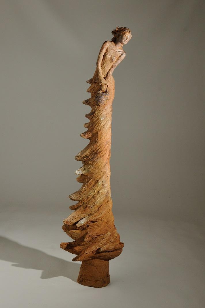 sculpture femme longue terre cuite l`envol sculture longiligne